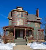 Maison verte unique Photos stock