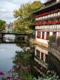 Maisonen de Tanneurs eller huset av garvarna, är en av de mest igenkännliga byggnaderna i Petite France eller den lilla Frankrike fotografering för bildbyråer