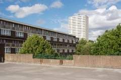 Maisonettes και επίπεδα πολυόροφων κτιρίων Στοκ φωτογραφία με δικαίωμα ελεύθερης χρήσης