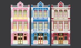 Maisons à trois niveaux de terrasse de style colonial coloré et historique D'isolement illustration libre de droits
