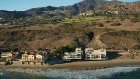 Maisons aériennes de littoral de Malibu clips vidéos