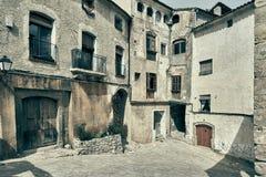 Maisons antiques de village de Miravet l'espagne Photographie stock libre de droits