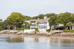 Maisons blanches massives de plage Photo libre de droits