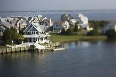 Maisons côtières. photographie stock