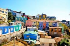 Maisons colorées à valparaiso images stock