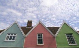 Maisons colorées. photographie stock