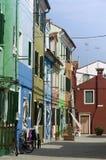 Maisons colorées dans Burano Images libres de droits