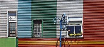 Maisons colorées dans Caminito, La Boca Photo stock