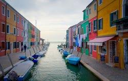 Maisons colorées de Burano Image stock