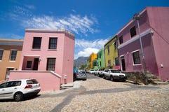 Maisons colorées et lumineuses de la BO-Kaap photos libres de droits