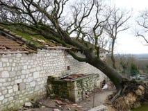 Maisons détruites pendant une tempête Image libre de droits