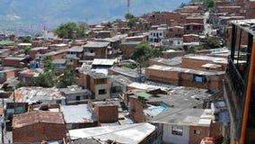 Maisons d'adobe de favela de vue de dessus de toit Amérique latine banque de vidéos