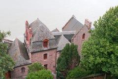 Maisons dans l'abbaye du Saint-Michel de Mont Photographie stock libre de droits