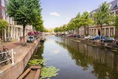 Maisons de canal d'Amsterdam Images stock