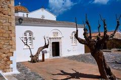 Maisons de Monemvasia et église, Péloponnèse, Grèce images stock