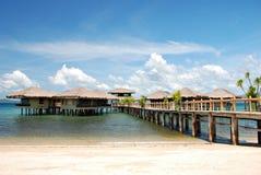 Maisons de plage sur l'eau Images stock