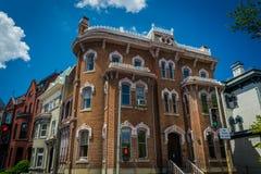 Maisons de rangée historiques le long de Logan Circle, à Washington, C.C photo libre de droits