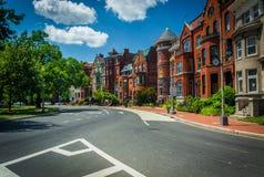 Maisons de rangée historiques le long de Logan Circle, à Washington, C.C photographie stock libre de droits