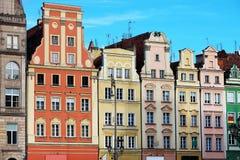 Maisons de rangée sur la place du marché à Wroclaw, Pologne image libre de droits