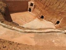 Maisons de troglodyte et cavernes souterraines des Berbers dans Sidi Driss, Matmata, Tunisie, Afrique, un temps clair photo stock