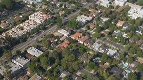 Maisons de ville aériennes dans le voisinage clips vidéos