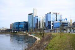 Maisons de ville de Vilnius au centre le 13 mars 2015 Photo stock