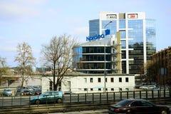 Maisons de ville de Vilnius au centre le 13 mars 2015 Image stock