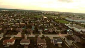 Maisons de vue aérienne dans le voisinage suburbain résidentiel avec le paysage et les dessus de toit d'arrière-cour illustration libre de droits