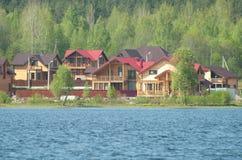 Maisons en bois Photos libres de droits