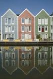 Maisons en bois colorées Images libres de droits