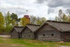 Maisons en bois suédoises typiques - yard de ferme, Image libre de droits