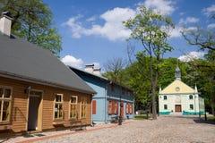 Maisons en bois vertes à Lodz Image stock