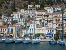 Maisons et yachts d'île Photo stock