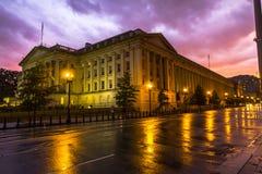 Maisons gentilles au coucher du soleil après pluie, Washington Images libres de droits