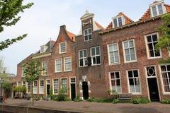 Maisons hollandaises de canal Photographie stock