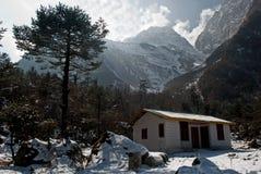 Maisons locales en vallée de Yumthang Photos stock
