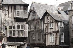 Maisons médiévales dans Dinan, France photos libres de droits