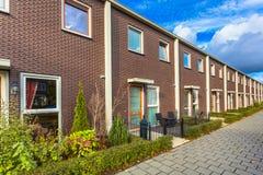 Maisons modernes de terrasse photos stock