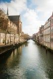 Maisons pittoresques de canal aux Pays-Bas Photos libres de droits
