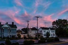Maisons résidentielles au crépuscule Photo stock