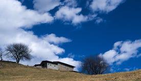 Maisons rurales dans les Alpes Images stock