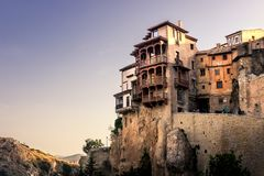 Maisons s'arrêtantes de Cuenca Images libres de droits