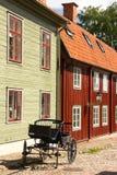 Maisons scandinaves typiques de bois de construction. Linkoping. Suède Images libres de droits