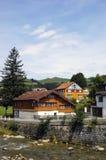 Maisons suisses traditionnelles Photographie stock libre de droits