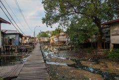 Maisons sur des échasses Kota Kinabalu, Sabah, Malaisie photographie stock libre de droits
