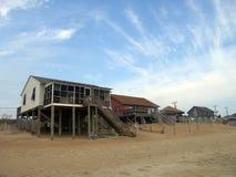 Maisons sur la plage en Caroline du Nord Image libre de droits