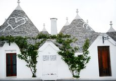 Maisons typiques de trulli dans Alberobello, Italie Photo stock