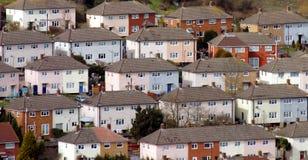 Maisons urbaines lumineuses photographie stock libre de droits
