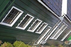Maisons vertes dans le musée de Zaanse Schans Photographie stock libre de droits
