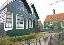 Maisons vertes dans le musée de Zaanse Schans Photo stock